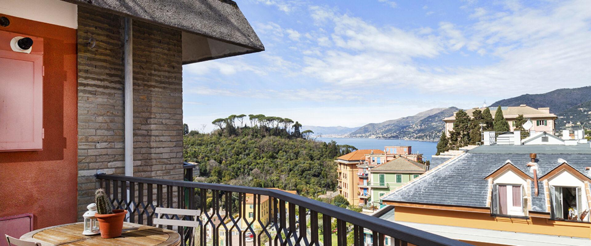 Balcony & Sea view
